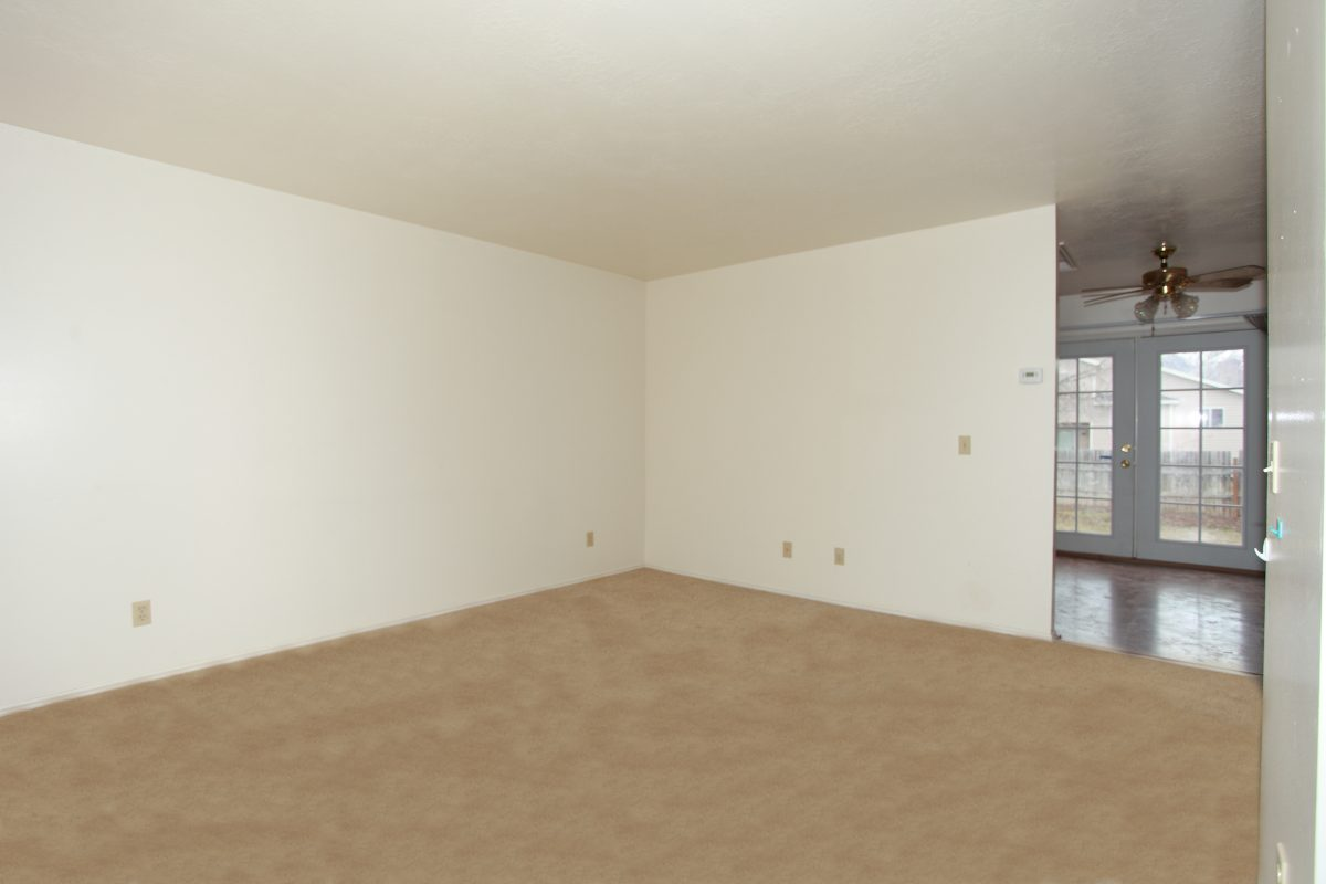 1148-Livingroom Entry